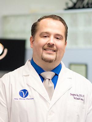 Dr. Benjamin Vela